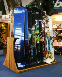 Bamboe snowboard stand